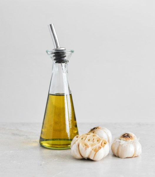 Чеснок и растительное масло