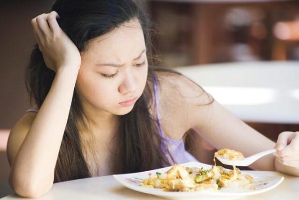 Женщина потеряла аппетит