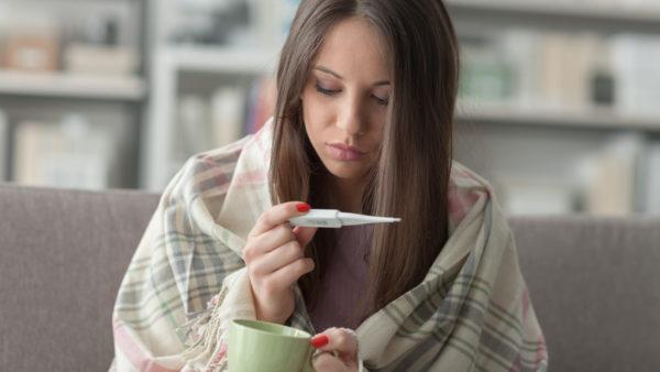 Субфебрильная температура у женщины