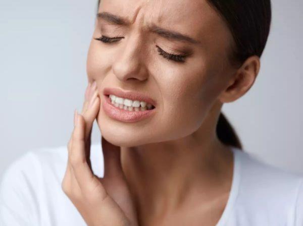Сильная боль в зубе